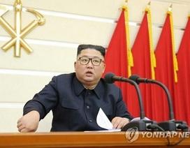 Ông Kim Jong-un họp Bộ Chính trị Triều Tiên về ứng phó Covid-19