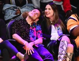 Ngắm nhan sắc cô vợ xinh đẹp của cựu cầu thủ Man Utd