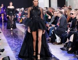 Siêu mẫu Cindy Bruna khoe chân dài miên man
