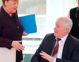 Bộ trưởng Đức từ chối bắt tay Thủ tướng Merkel để tránh dịch corona