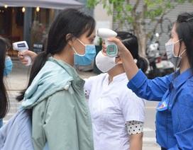Đà Nẵng: HS lớp 12 được đo thân nhiệt, rửa tay sát khuẩn từ cổng trường