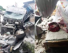Xe container đâm sập 3 nhà dân, nhiều người may mắn thoát chết