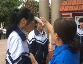 Quảng Trị: Học sinh được đo thân nhiệt, rửa tay sát khuẩn trước khi vào lớp