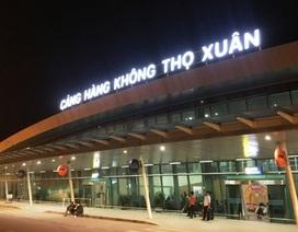 Nam hành khách đi máy bay về Thanh Hóa ho, sốt, khó thở được cách ly