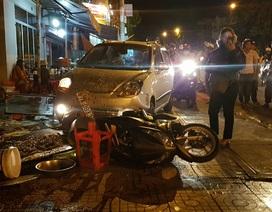 Xe ben không người lái trôi tự do gây tai nạn liên hoàn