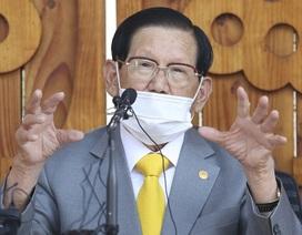 Hàn Quốc đột kích, ép giáo chủ Tân Thiên Địa xét nghiệm Covid-19
