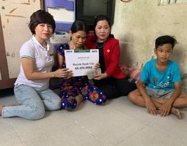Người phụ nữ mù goá chồng nuôi 3 con thơ dại được giúp đỡ hơn 68 triệu đồng