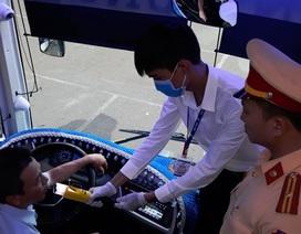 """Nhà xe đầu tiên sắm máy đo nồng độ cồn, """"cấm lái"""" tài xế vi phạm"""