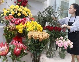 Hà Tĩnh: Hoa lạ, đắt đỏ tràn ngập thị trường ngày 8/3
