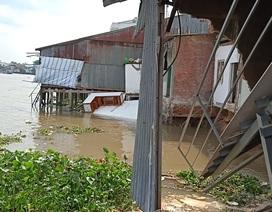 Phong tỏa hiện trường sạt lở bờ sông Cái Răng, di dân khẩn cấp