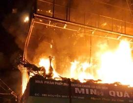 Hỏa hoạn thiêu rụi 6 căn nhà lúc rạng sáng