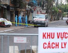 Chở khách đến phố Trúc Bạch, một tài xế Grab bị ho sốt, đau tức ngực