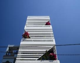 """Ngôi nhà của vị doanh nhân Sài Gòn nổi bật bởi thiết kế """"2 trong 1"""" độc lạ"""