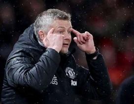 Do Covid-19, Man Utd phải thi đấu trên sân không có khán giả