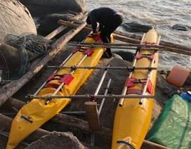 3 du khách Nga tự chế bè, trôi dạt trên biển Kiên Giang