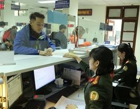 Cán bộ không được nhận tiền để giải quyết thủ tục xuất nhập cảnh