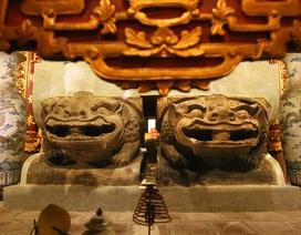 Bảo vật quốc gia: Tượng đôi sư tử đá và Khám thờ gỗ sơn son thếp vàng
