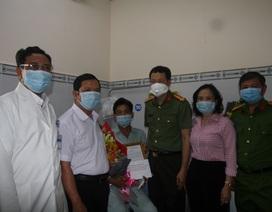 Bộ trưởng Tô Lâm khen thưởng công an xã bắt cướp, bị đâm trọng thương
