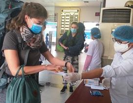 Đà Nẵng: Người dân, du khách chấp hành đeo khẩu trang nơi công cộng