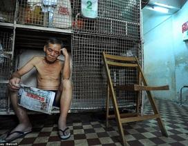 """Nỗi ám ảnh """"Covid-19"""" với người nghèo sống trong chuồng cọp ở Hong Kong"""