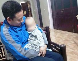 Bé trai một tuổi bị bỏ rơi vì gia đình lục đục