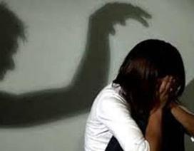 Bố mẹ vắng nhà, bé gái một mình thoát khỏi kẻ dâm ô