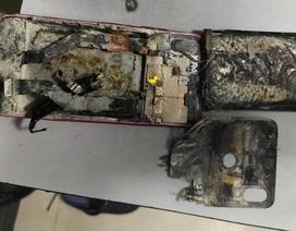 Smartphone bất ngờ bốc cháy và phát nổ khi nằm trong túi quần