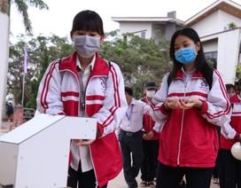 Nam sinh lớp 12 chế tạo máy rửa tay diệt khuẩn tự động, chống dịch Covid-19