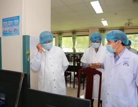 Thứ trưởng Bộ Y tế điện thoại trấn an bệnh nhân nước ngoài mắc Covid-19
