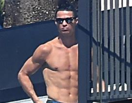 C.Ronaldo khoe thân hình vạm vỡ khi về quê tránh dịch