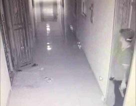 Clip vụ nổ tại chung cư Lũng Lô và sự xuất hiện của nam thanh niên lạ mặt