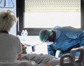Bác sĩ Italia đau lòng khi nhìn bệnh nhân Covid-19 qua đời trong đơn độc
