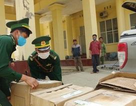 Bắt đối tượng vận chuyển 64 nghìn chiếc khẩu trang sang Lào