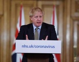 """Dịch Covid-19: Thủ tướng Anh cảnh báo kịch bản """"vỡ trận"""" như Italia"""