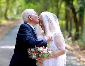 """Chuyện tình yêu """"trên cả kim cương"""" của vợ chồng U90 """"hút"""" dân mạng"""