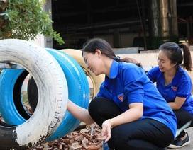 Tái chế lốp xe thành bồn rửa tay hỗ trợ học sinh phòng dịch