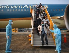 Sân bay Vân Đồn đón thêm hơn 500 người Việt trở về từ Anh, Đức