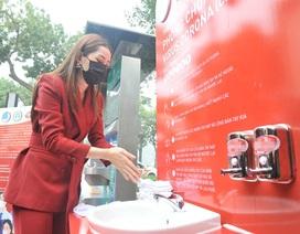 Chi Pu làm đại sứ gây quỹ dựng 100 trạm rửa tay dã chiến miễn phí