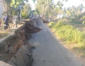 Tình trạng đường sụt lún như động đất tiếp diễn ở Cà Mau