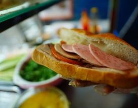 """Bánh mì Sài Gòn, món ăn """"vua"""" thời Covid-19"""