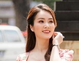 Bận rộn đưa tin về Covid-19, Thuỵ Vân phải nhờ bố mẹ cho con học online