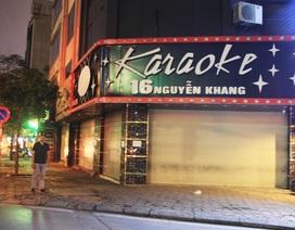 """""""Phố karaoke"""" Hà Nội im lìm, vắng lặng"""