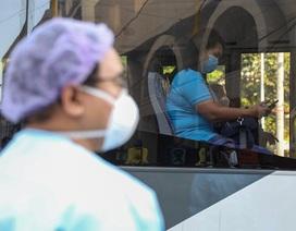 Tâm sự nhói lòng của các bác sĩ Philippines mắc Covid-19