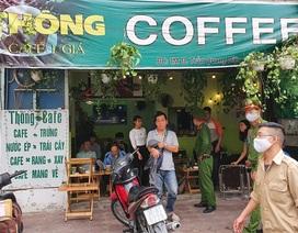 """Công an """"hối hả"""" đi vận động, hàng loạt quán cà phê ở Hà Nội đóng cửa"""