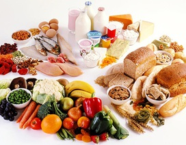 Những thực phẩm bệnh nhân ung thư nên và không nên ăn