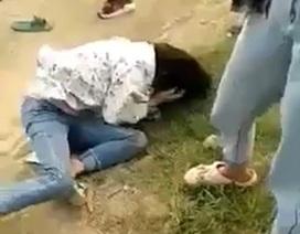 Một nữ sinh lớp 9 bị nhóm bạn vây đánh ngoài cánh đồng