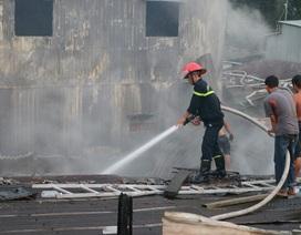 Cháy lớn làm thiệt hại 8 căn nhà