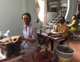 Nhà sư ở Vĩnh Long vận động, quyên góp tặng 40.000 khẩu trang cho người dân