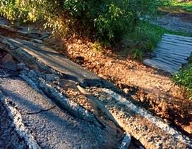 Lại xảy ra sụt lún nghiêm trọng đường giao thông do khô hạn
