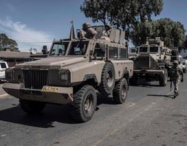 Cảnh sát Nam Phi bị bắt vì nghi bắn chết người vi phạm cách ly Covid-19